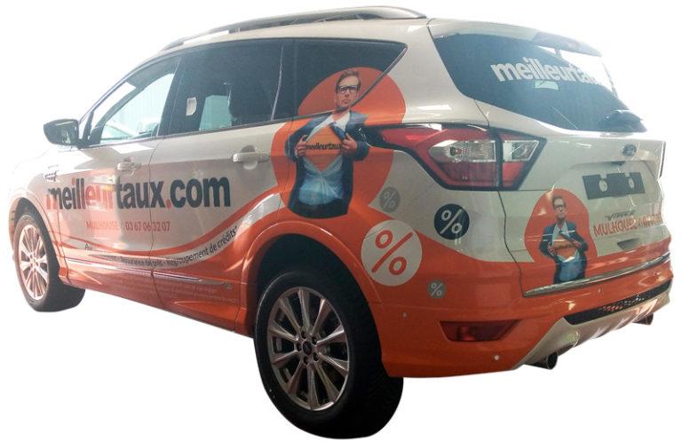 Décoration d'un Ford Kuga de Meilleurtaux.com (côté)