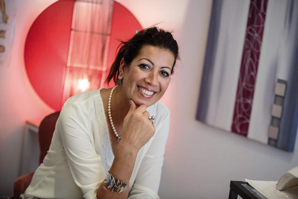 Nadia Receveur présente des bijoux Energetix